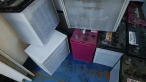 一般家庭での廃バッテリー回収事例「液漏れ」